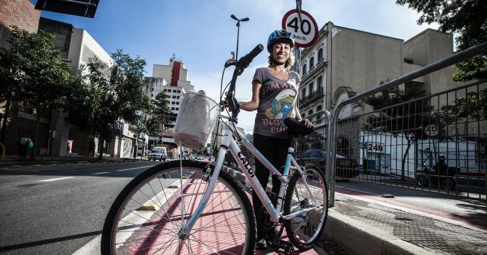Heloisa Santos Rodrigueis, psicóloga clínica, 37 anos, está começando a usar a bicicleta como seu principal meio de transporte.