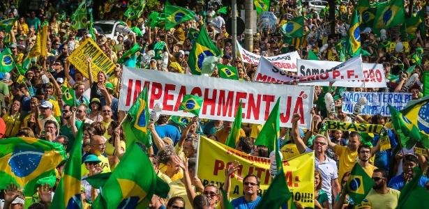 No RS, 42 cidades têm protestos contra e a favor do governo - Jefferson Bernardes/AFP