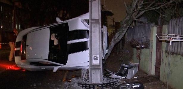 Motorista se envolveu em um acidente e abandonou Camaro, avaliado em R$ 300 mil