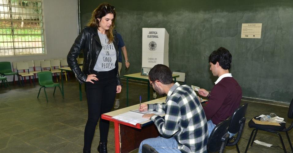 28.out.2018 - Rafa Brites vota em colégio na zona oeste de São Paulo, no segundo turno