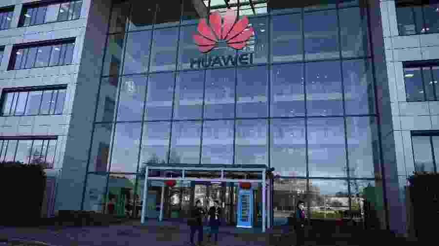 28.jan.2020 - Fachada da empresa Huwaei, em Londres - DANIEL LEAL-OLIVAS/AFP