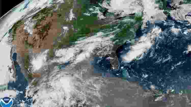Nuvem de poeira afetou países do Caribe a caminho do sul dos Estados Unidos - Reuters - Reuters