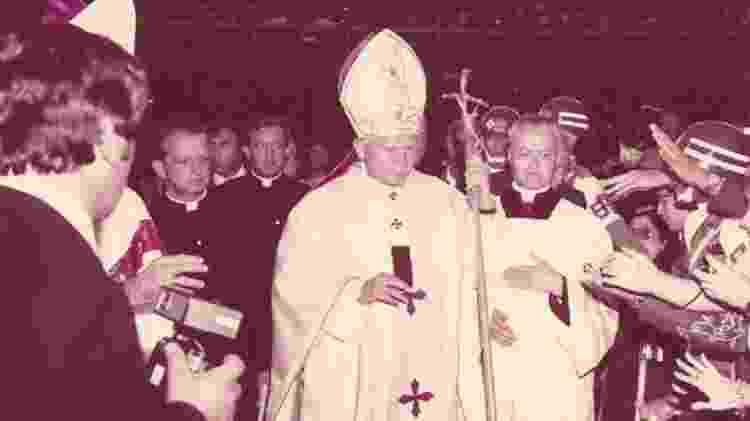 No Maracanã, 150 mil pessoas assistiram à ordenação de 76 padres - ARQUIVO PESSOAL DO PADRE SILAS VIANNA - ARQUIVO PESSOAL DO PADRE SILAS VIANNA