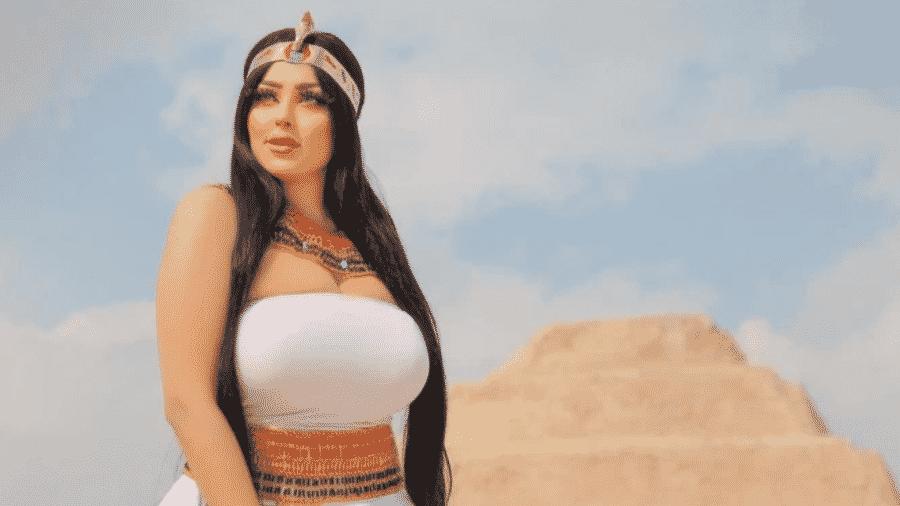 Imagens foram feitas no sítio arqueológico de Saqqara, local é considerado um patrimônio histórico pela ONU - Reprodução/Instagram/@salma.elshimy.officiall