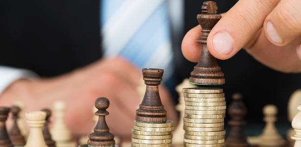 Selic cai para 2,25% | Rendimento de fundos DI, poupança e outros cai; é o fim da renda fixa?