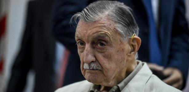 Hector Francisco Jesus Sibilla, ex-diretor executivo da Ford, aguarda o julgamento