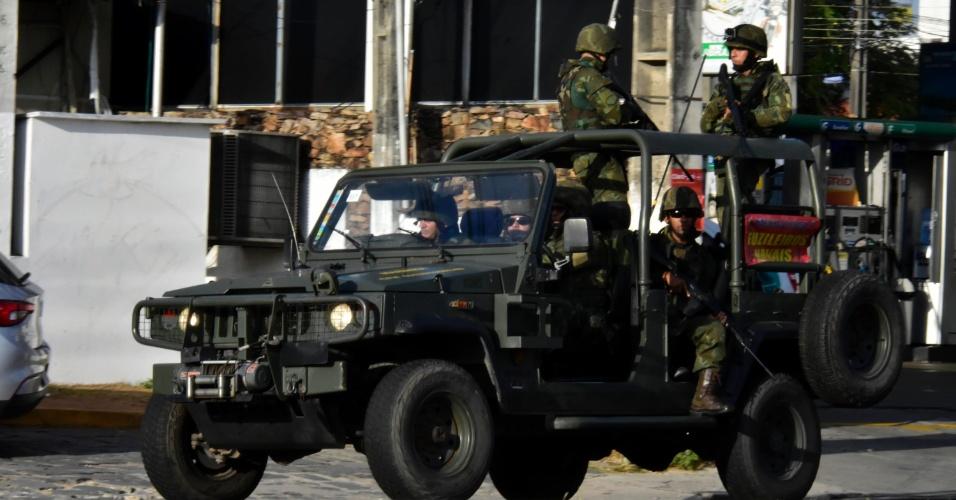 Forças Armadas fazem patrulhamento nas ruas de Natal (RN) neste sábado