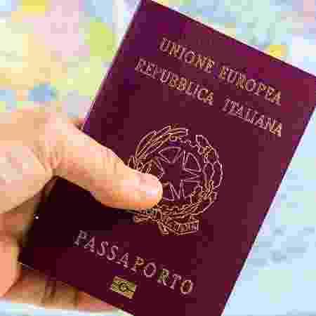 """Segundo vice-chanceler italiana, reajuste """"não é realista"""" e penaliza aqueles que buscam o reconhecimento de sua cidadania - marcociannarel/iStock"""