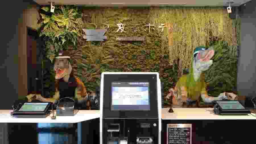 Recepcionistas do Henn-na são velociraptors robôs - Divulgação