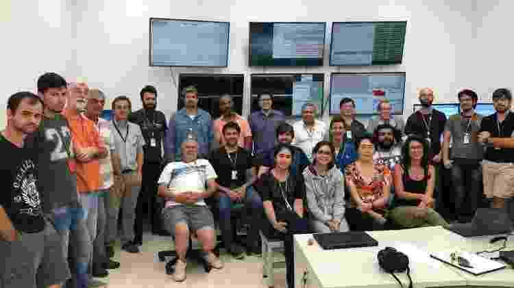 Equipe do Sirius reunida após conclusão da volta de elétrons - Divulgação/CNPEM