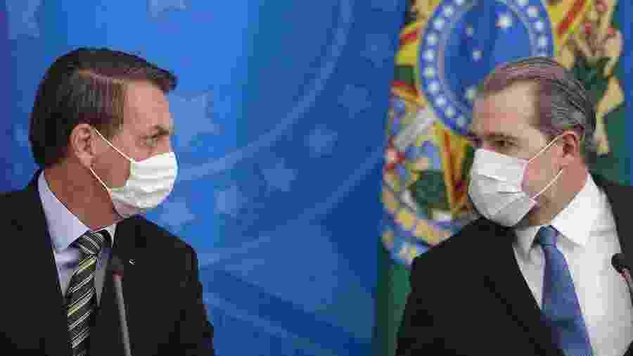 18.mar.2020 - O presidente Jair Bolsonaro (sem partido) e o presidente do STF, Dias Toffoli, em coletiva sobre o coronavírus - Dida Sampaio/Estadão Conteúdo
