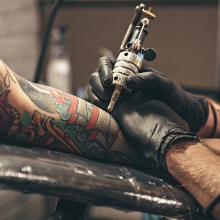 Vale pensar com carinho na parte do corpo que vai ser tatuada - iStock