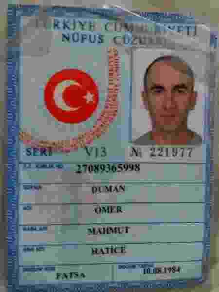 Na volta da Turquia, Matheus denunciou Omer Duman na Polícia Federal e publicou a identidade dele em seu perfil no Instagram - Reprodução - Reprodução