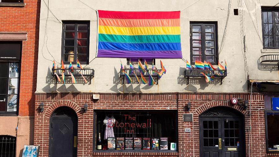 O Dia do Orgulho Gay comemora-se em 28 de junho, data de violenta abordagem policial no bar Stonewall Inn em 1969 - Ben Hider/Getty Images