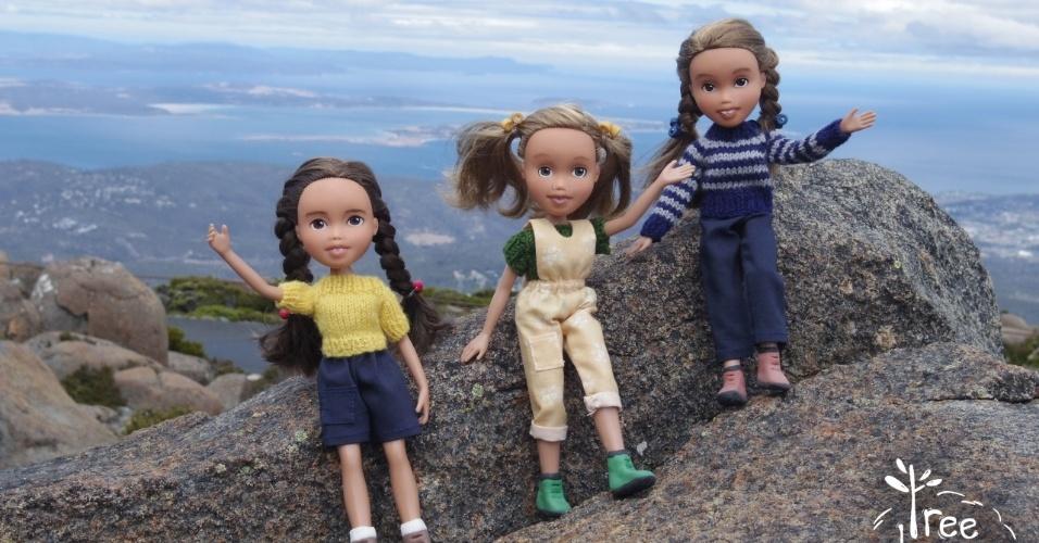 11.fev.2016 - Bonecas recuperadas e refeitas pela artesã australiana Sonia Singh para parecerem meninas e mulheres mais naturais foram fotografadas ao ar livre e compartilhadas online, virando uma febre