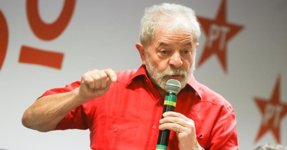 19.jan.2017 - O ex-presidente Luiz Inácio Lula da Silva participa do lançamento do 6º Congresso Nacional do PT, no Novotel São Paulo Jaraguá, na região central da capital paulista, na noite desta quinta-feira