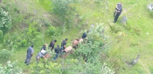 24.jan.2017 - Presos são recapturados em área rural de Bauru após fuga do Centro de Progressão Penitenciária