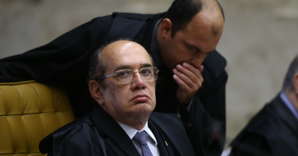22.mar.2018 - O ministro Gilmar Mendes durante sessão realizada no plenário da Supremo Tribunal Federal (STF), em Brasília, para o julgamento do habeas corpus do ex-presidente Luiz Inácio Lula da Silva