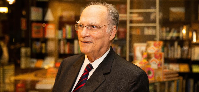 Roberto Freire é um dos principais interlocutores do apresentador de TV na política - Marcus Leoni/Folhapress