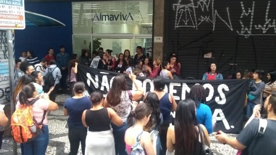 Funcionários do call center Almaviva paralisaram as atividades por conta do novo coronavírus - Alex Tajra/ UOL