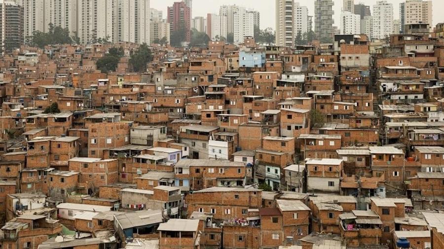 """Sabesp distribuirá 1200 caixas-d""""água em Paraisópolis para conter disseminação de coronavírus  - Eduardo Knapp/Folhapress"""