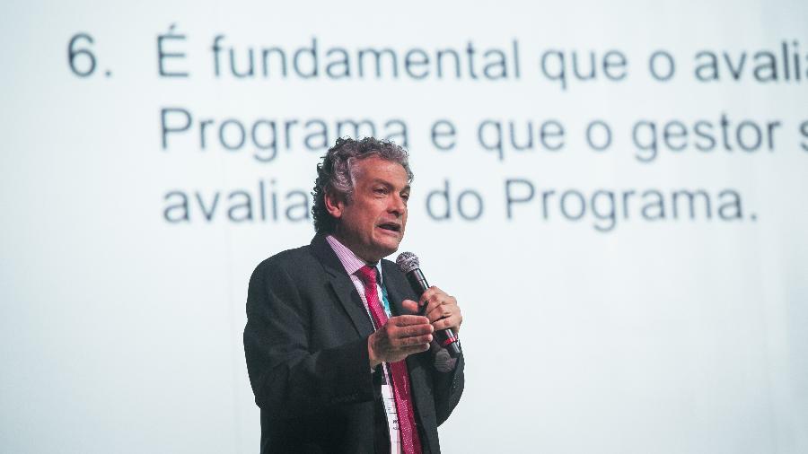 O economista e ex-subsecretário de Ações Estratégicas Ricardo Paes de Barros disse que o problema do Brasil é falta de projetos - Bruno Santos/Folhapress