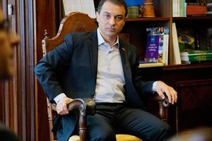 Sob risco de impeachment, governador de SC enfrenta isolamento político  (Foto: Divulgação)