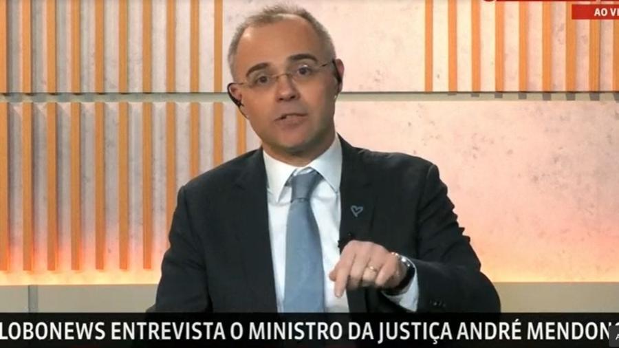O ministro da Justiça André Mendonça, durante entrevista à GloboNews - Reprodução/GloboNews