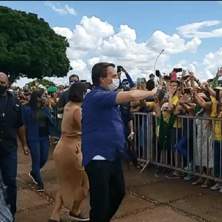 Bolsonaro participou de aglomeração em Brasília no dia de seu aniversário, em março - 21.mar.2021 - Reprodução/Facebook