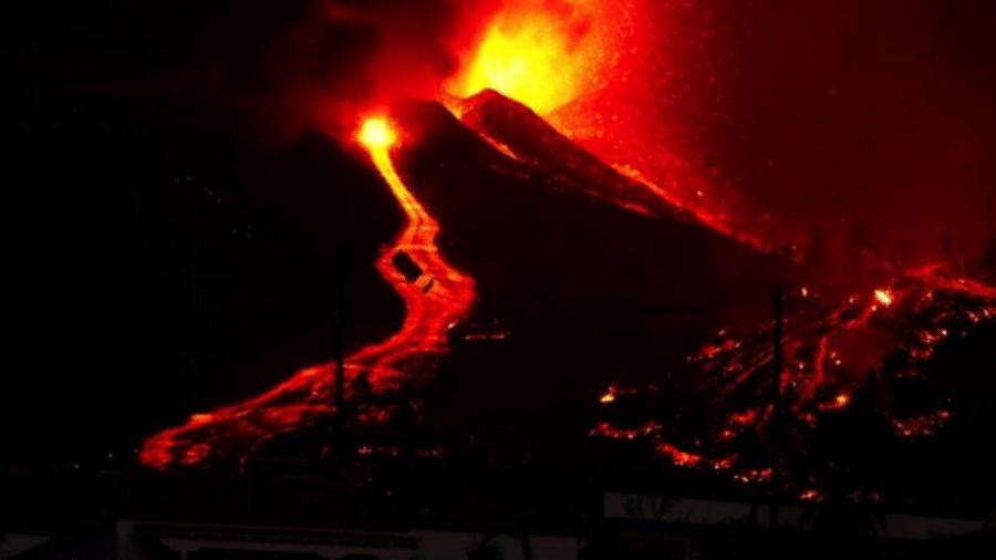 Vulcão localizado na ilha de La Palma, nas Ilhas Canárias (Espanha), entrou em erupção no domingo (19) - Reuters