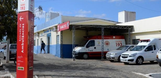 Em Ingazeira (PE), ambulância está parada há 21 meses ao lado da unidade de saúde sem poder realizar atendimento