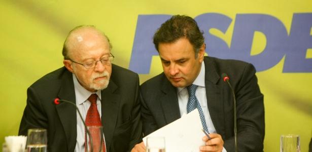 Alberto Goldman, ao lado de Aécio Neves