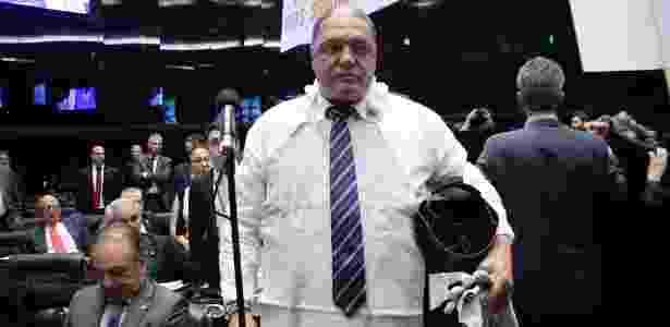 Deputado Assis Melo (PCdoB-RS) foi ao plenário vestido como um metalúrgico - Cleia Viana/Câmara dos Deputados - Cleia Viana/Câmara dos Deputados