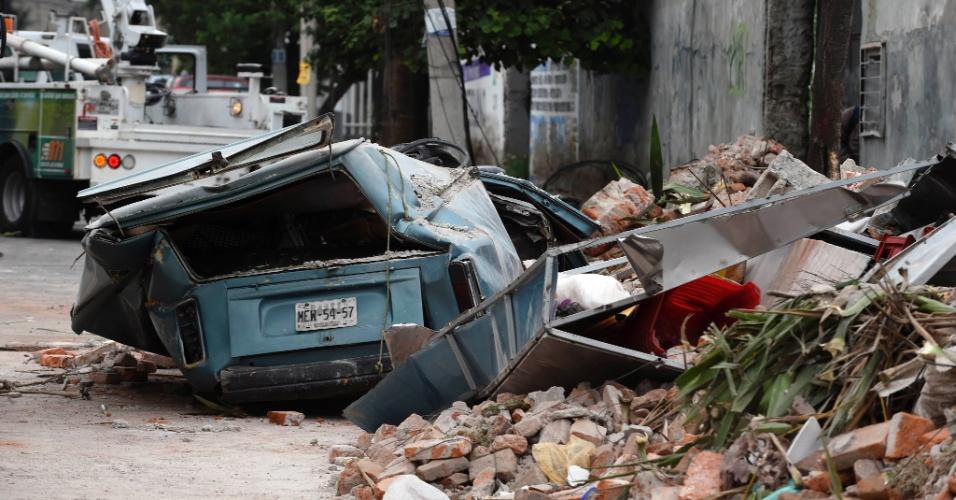 8.set.2017 - Destroços em uma rua da zona leste da Cidade do México são marcas do terremoto de 8,2, que atingiu a região. Foi o maior tremor no país em 100 anos
