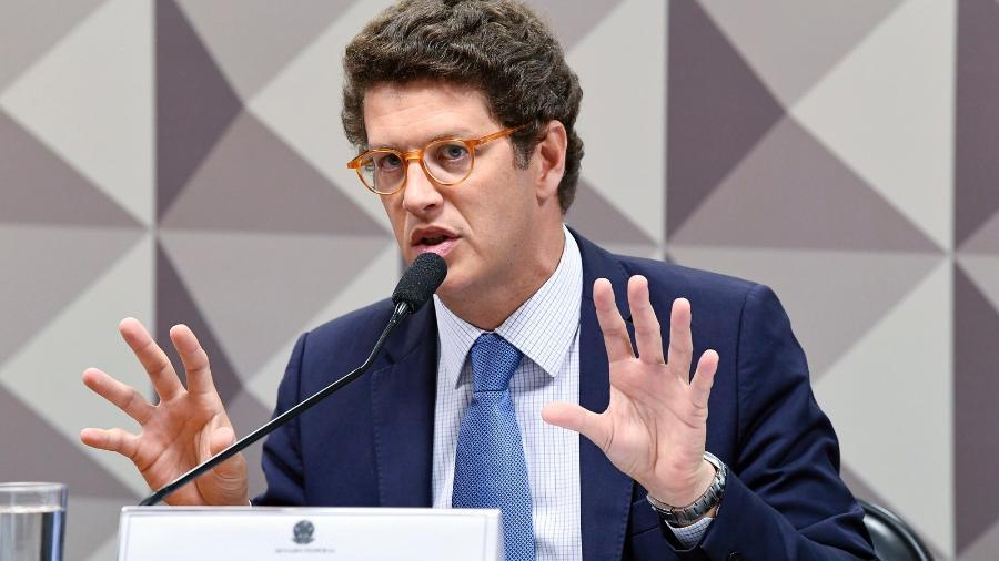 Para Reuters, Salles disse que seu pedido de 1 bilhão de dólares por ano para acelerar o controle do desmatamento na Amazônia permitiria que o país chegasse ao desmatamento ilegal zero antes de 2030 - Por Lisandra Paraguassu