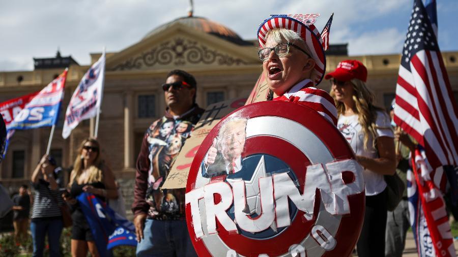 O presidente dos Estados Unidos, derrotado nas urnas, deveria fechar as cortinas de seu espetáculo antecipadamente - Jim Urquhart/Reuters