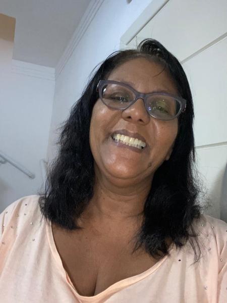 A pegagoga aposentada, Sônia Regina Santos Silva, de 54 anos, foi acusada de tráfico internacional de drogas porque criminosos usaram seus documentos para mandar cocaína para o Reino Unido - Divulgação