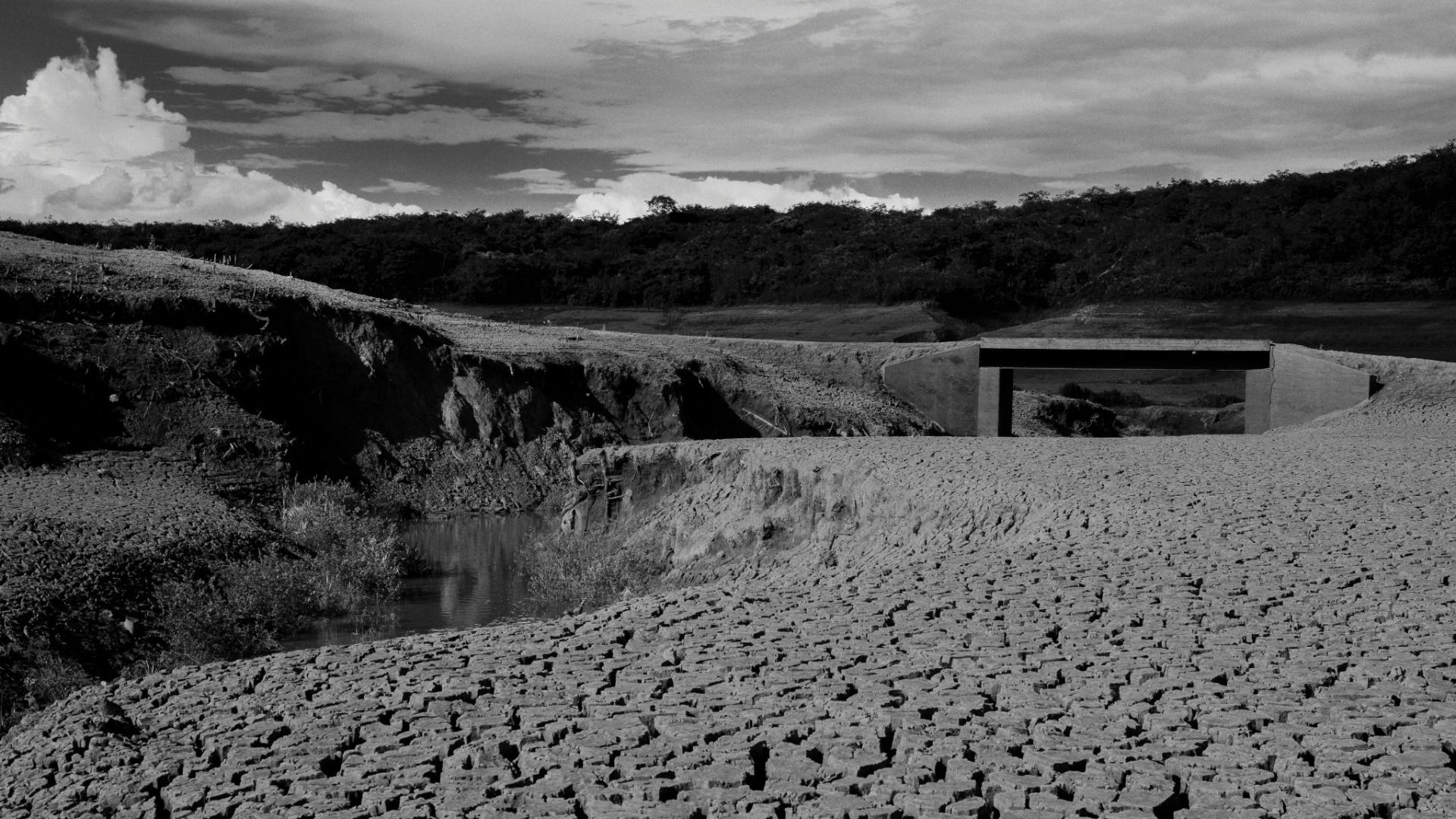 4.ago.2015 - SERRA AZUL - A represa Serra Azul (MG) é um dos principais componentes do Sistema Paraopeba