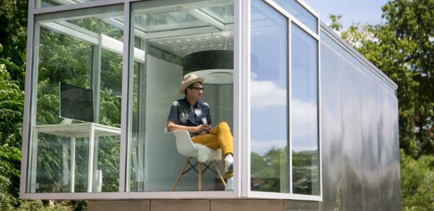 7.jul.2016 - Jeff Wilson, chefe da Kasita, dentro do protótipo de uma casa modular em Austin, Texas