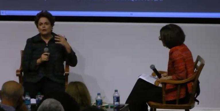 8.abr.2017 - A ex-presidente Dilma Rousseff participa de evento realizado pela Universidade de Harvard e o MIT (Instituto de Tecnologia de Massachusetts), nos EUA, neste sábado (8)