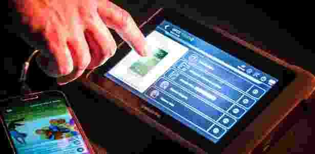 16.ago.2017 - Maleta da Cellebrite com equipamentos e cabos extração de dados de diversos celulares - Keiny Andrade/UOL - Keiny Andrade/UOL