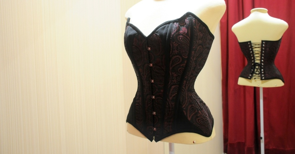 Madame Sher Corsets modelo inspirado Mata Hari