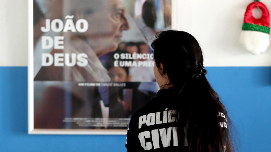 Polícia Civil de Goiás realiza operação de busca e apreensão na Casa Dom Inácio Loyola, em Abadiânia (GO) - Ernesto Rodrigues/Estadão Conteúdo - 18.dez.2018
