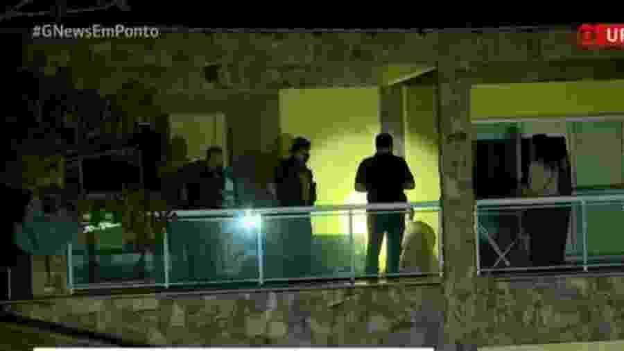 Policiais fazem buscas em imóvel em operação ligada ao caso Marielle, no Rio de Janeiro - Reprodução/Globonews