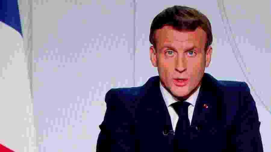O presidente da França Emmanuel Macron anunciou novos bloqueios e regras de distanciamento social para frear a covid-19 - Reuters