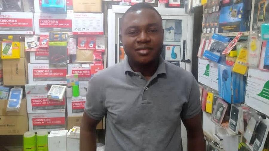 Onyeka Orie diz que não esperava receber uma loja - BBC