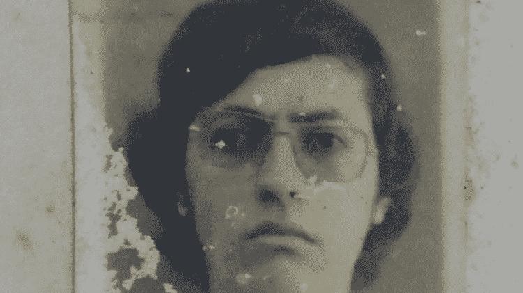 Tortura e loucura - Fotografia de Wesley Almeida em sua ficha na prisão - Arquivo Público do Estado da Bahia - Arquivo Público do Estado da Bahia