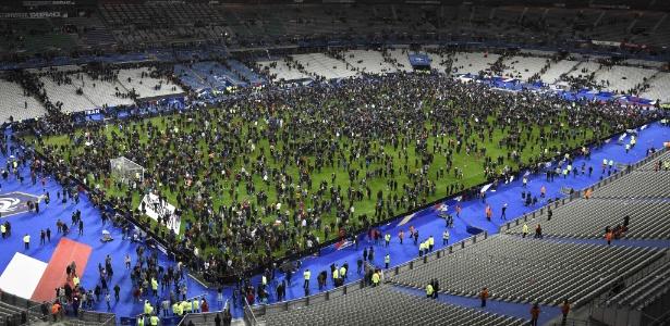 Stade de France foi um dos alvos do ataque terrorista em Paris em 13 de novembro de 2015