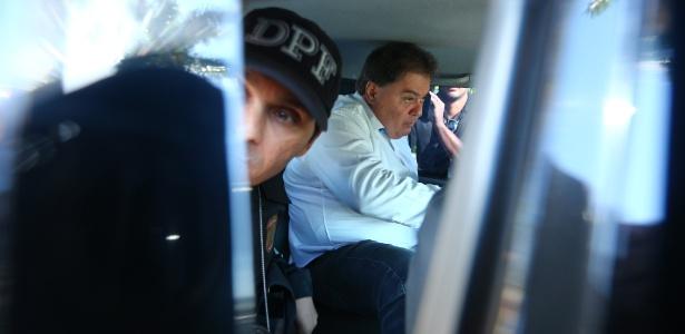 Ex-senador deixa sua residência, em Brasília, rumo à Superintendência da PF