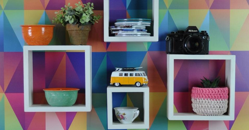 As empresárias Carolina e Aline Schmitz, de Santa Catarina, criaram uma loja virtual de decoração, em 2014, para vender móveis feitos com caixotes e madeira de reflorestamento para pequenos espaços. É a Tadah